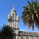 E para animar sua tarde de sexta-feira, passagens de IDA+VOLTA para BUENOS AIRES e MONTEVIDEO a partir de R$ 355, para voar de JANEIRO a NOVEMBRO/2014!