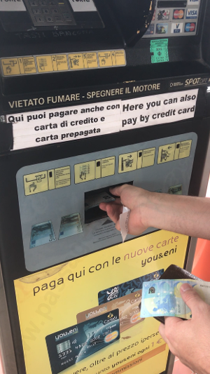 Viagem para a Itália: Como abastecer em postos de gasolina.