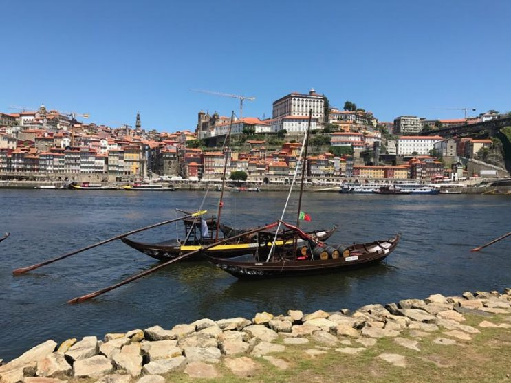 cais-da-ribeira-porto-portugal.