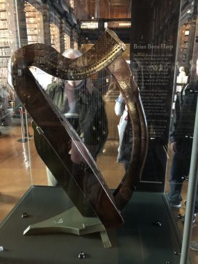 Harpa da biblioteca da Trinity College