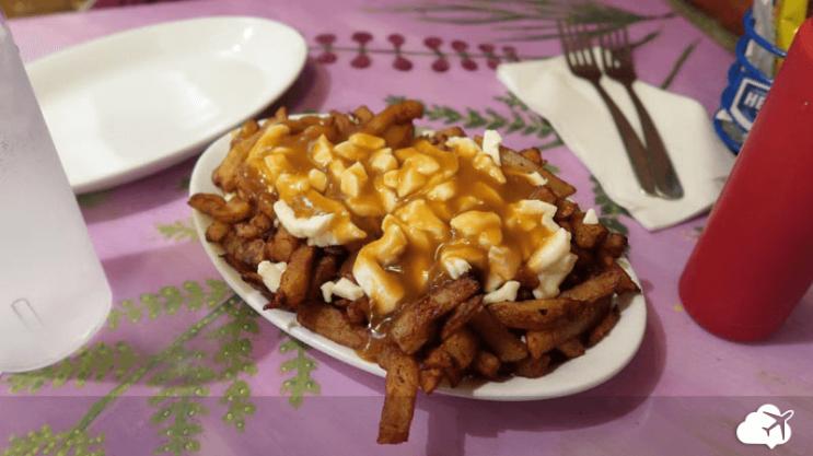restaurante poutine la banquise montreal