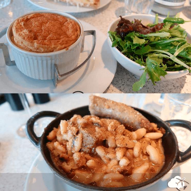 Sopa de cebola e suflê no restaurante Champeaux