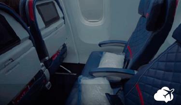 distância entre assentos na classe Economy Comfort da Delta
