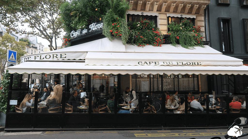 Clima aconchegante no Cafe de Flore