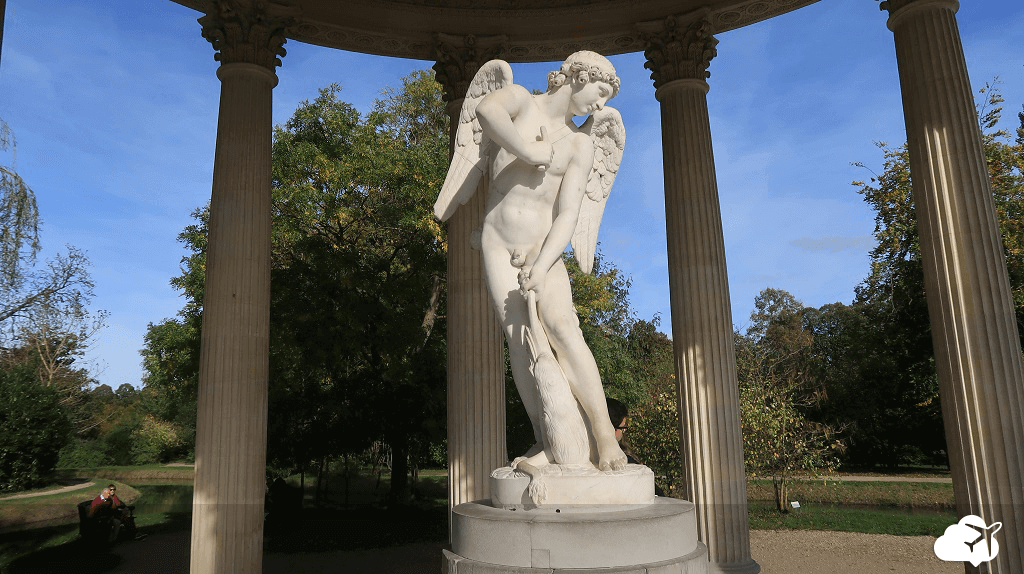 Escultura de Eros palácio Versalhes