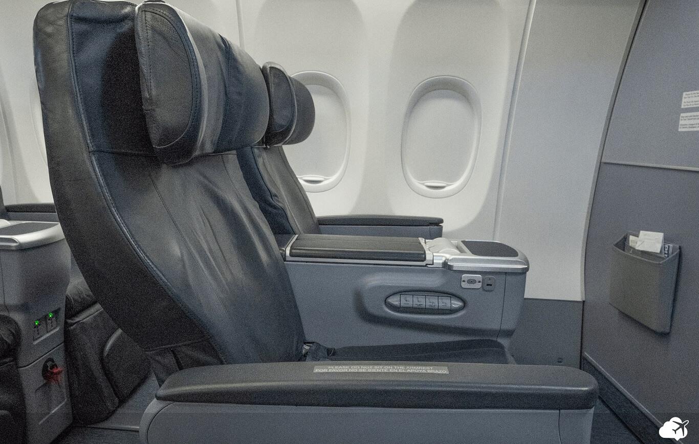 Poltrona classe executiva copa airlines