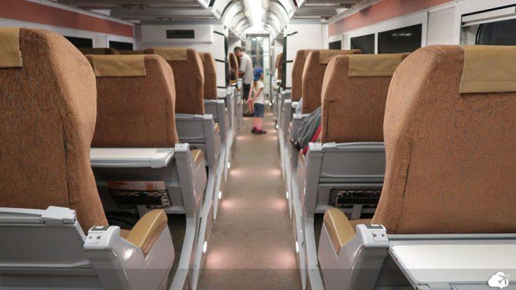 dentro do trem canada via rail