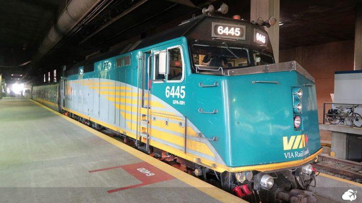 trem via rail canada