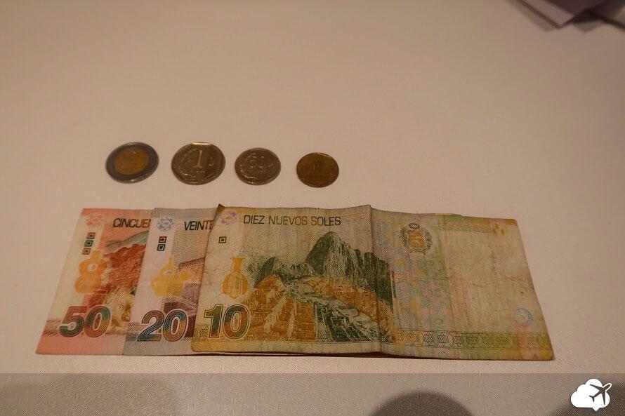 dinheiro peru moeda e nota soles