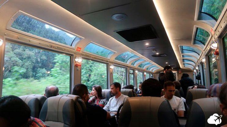 dentro trem machu pichu 360 inca rail