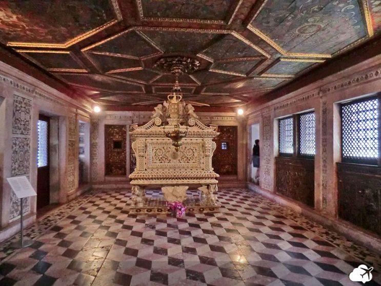 tumulo santa joana museu aveiro