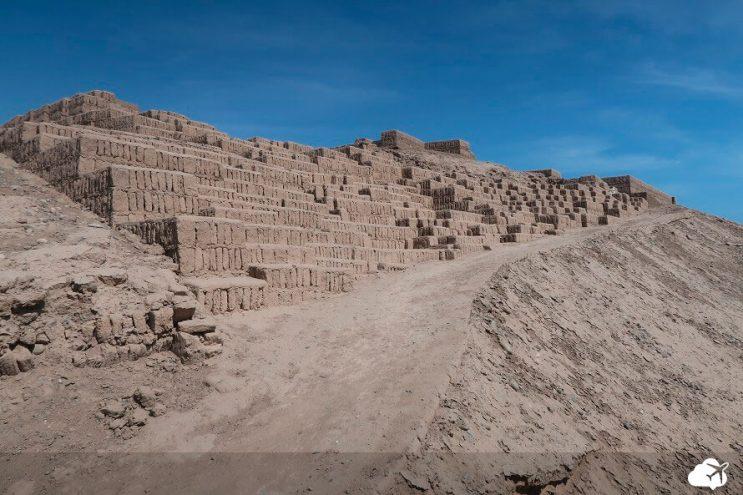piramide huaca puclanna