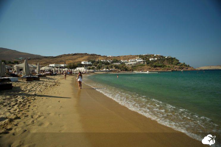 parnomos beach mykonos