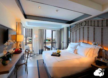o riva surya bangkok é um dos hotéis na tailândia