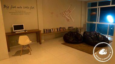 área comum do chern hostel hotéis da tailândia