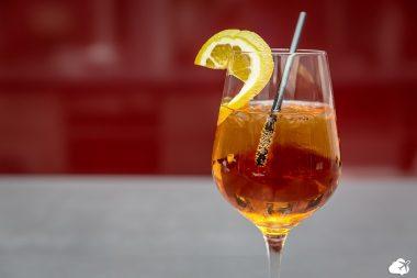 aperol spritz é um famoso drink italiano