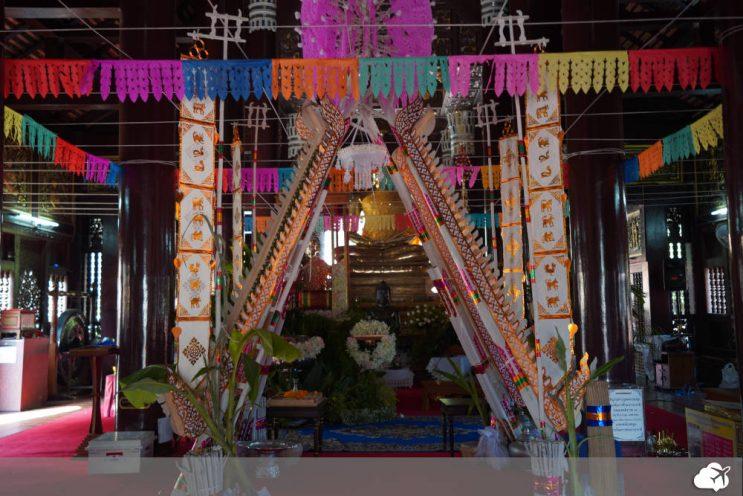 altar do templo wat lok molee