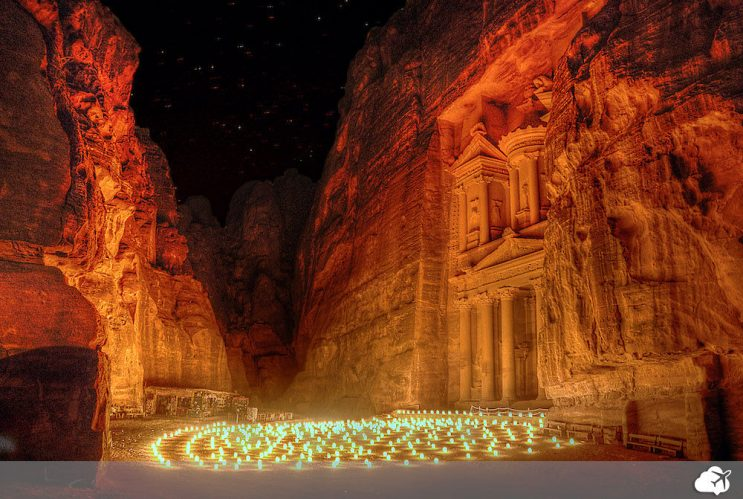 petra by night jordania