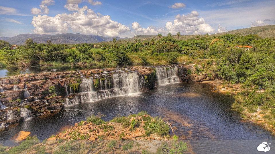 cachoeira grande na serra do cipó