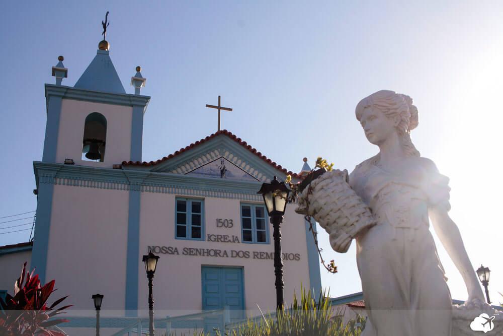 igreja nossa senhora dos remedios arraial do cabo