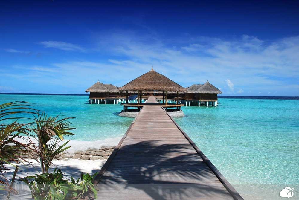 praia nas maldivas