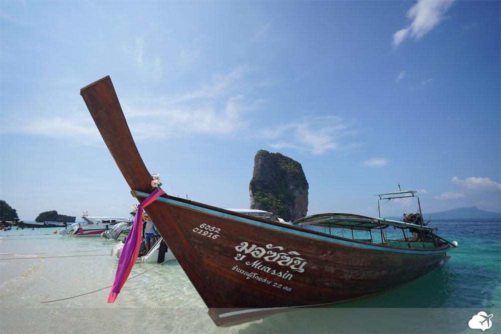 barco longtail em krabi tailandia