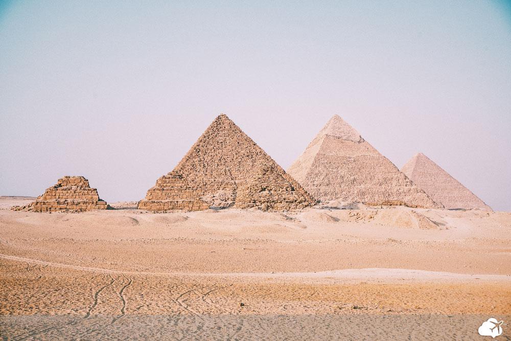 piramides no egito aberto para brasileiros