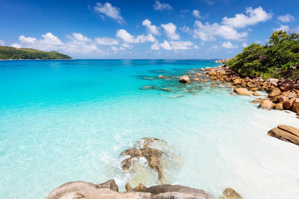 anse lazio nas ilhas seychelles